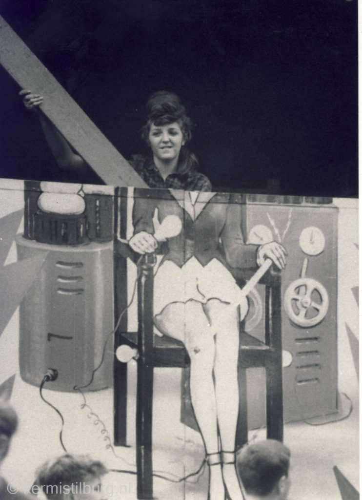Miss Electro- A. Ophof-3.jpg